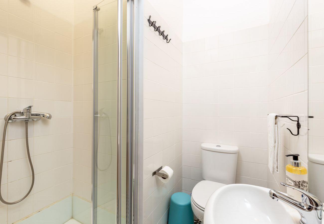 Apartamento em Porto - Apartamento 2 Quartos, Mobilado, Terraço [STII]