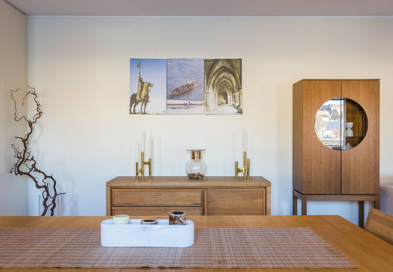 Apartamento em Vila Nova de Gaia - Apartamento 3 Quartos, vista sobre o Rio Douro [DT]