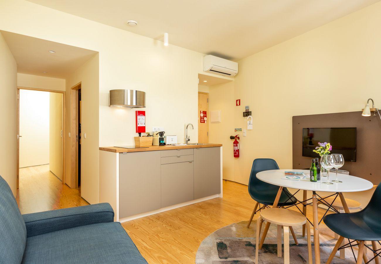 Apartamento em Porto - Apartamento 1 Quarto, vista sobre o Rio Douro [COD2.1/2]