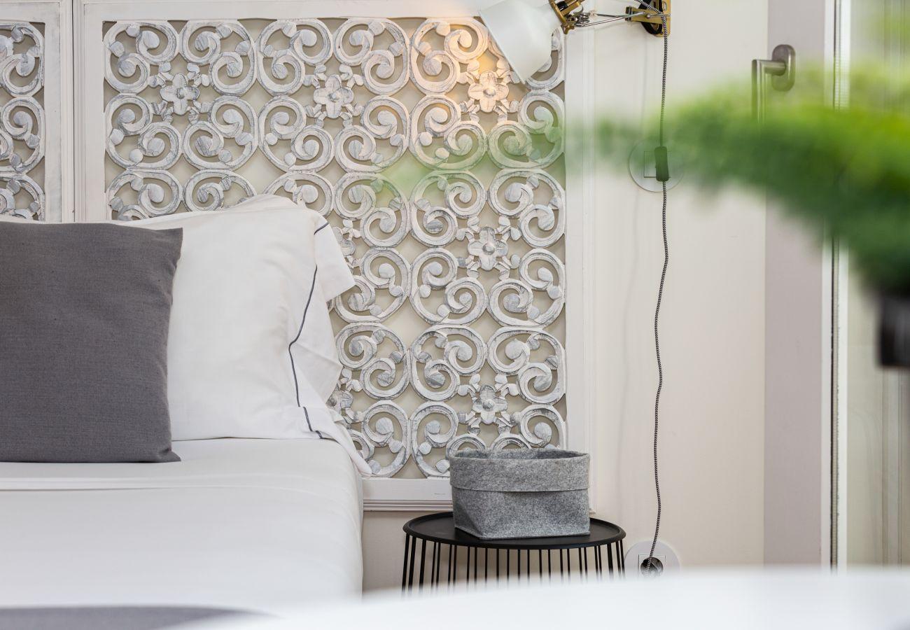 Studio in Porto - Cotton Cozy Nightlife Studio 201