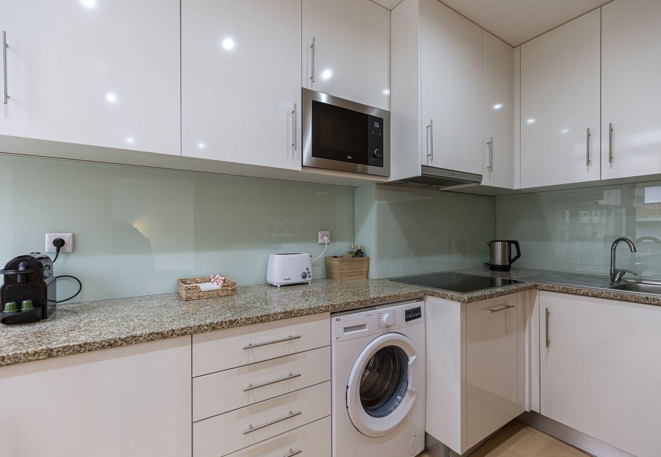 Studio mit ausgestatteter Küche