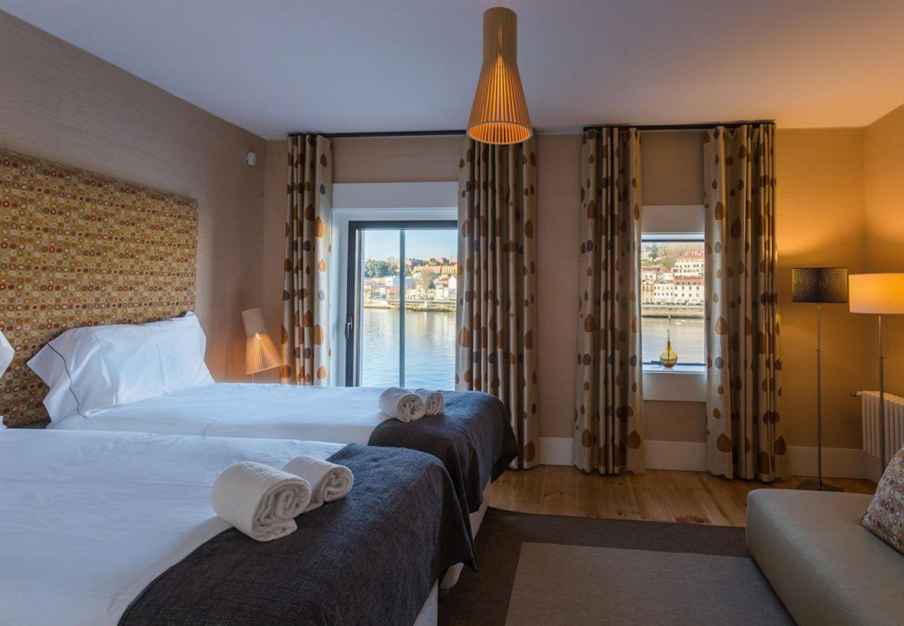 Apartment in Vila Nova de Gaia - Feel Porto River Senses Residence