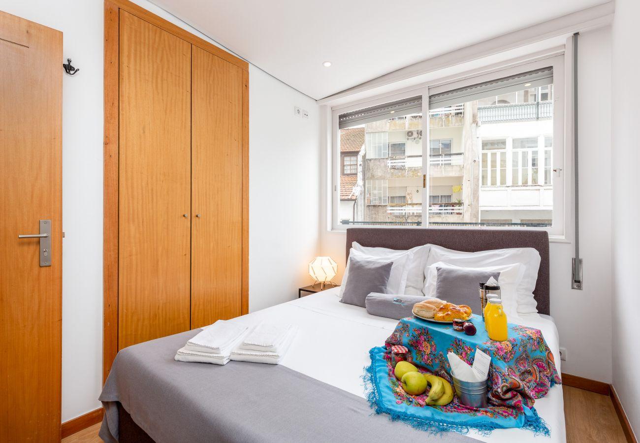 Apartment in Porto - Feel Porto Stylish Flat I