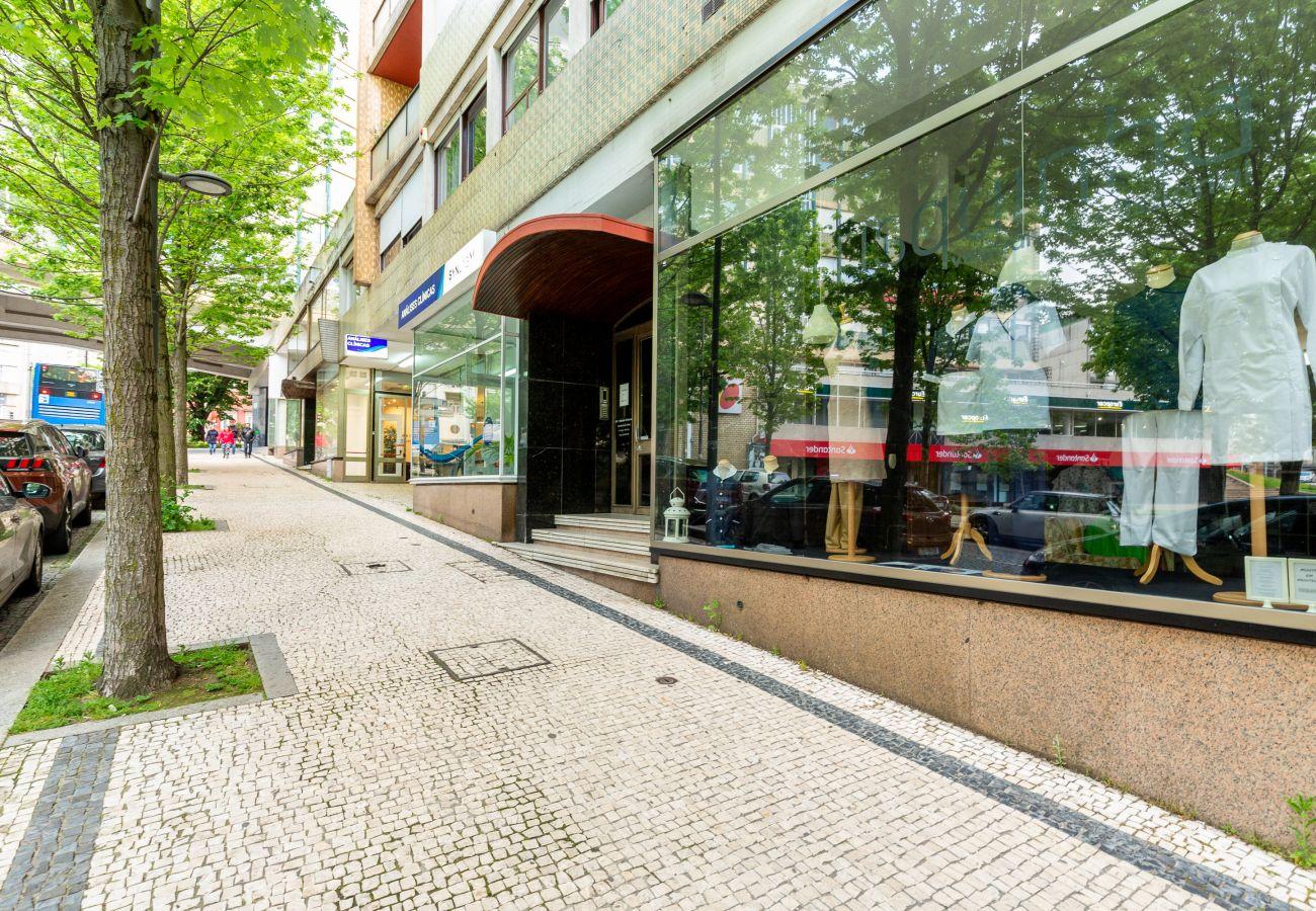Apartment in Porto - Feel Porto Stylish Flat III