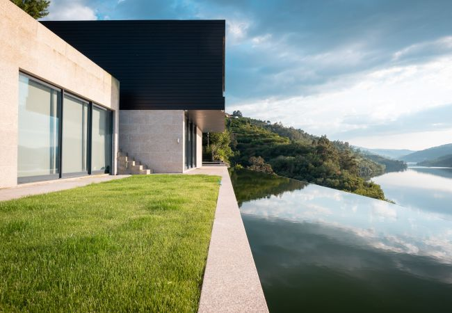 Villa/Dettached house in Resende - Feel Discovery Douro Cherry
