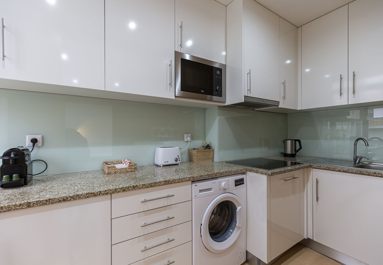 Studio with equipped kitchen